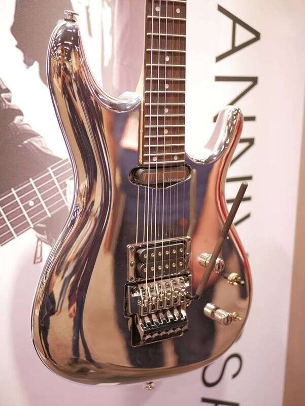 Diary and photos from NAMM Day 2